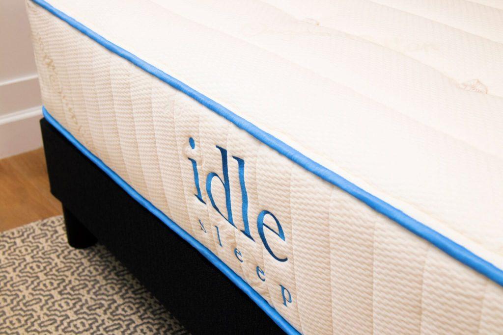Idle Sleep Dunlop Latex Hybrid