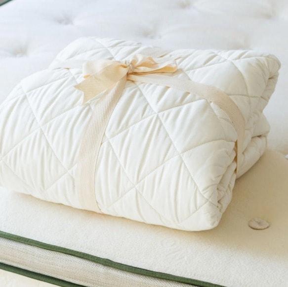 mattress pad protector non waterproof by avocado-min