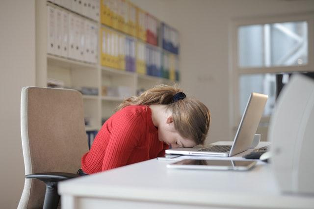 Narcolepsy causes excessive daytime sleepiness, cataplexy,