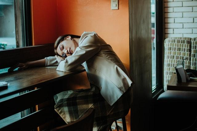 Narcolepsy causes one to experience severe daytime sleepiness.