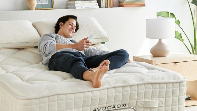 The Avocado Organic Luxury Plush Mattress may be used on an adjustable bed.