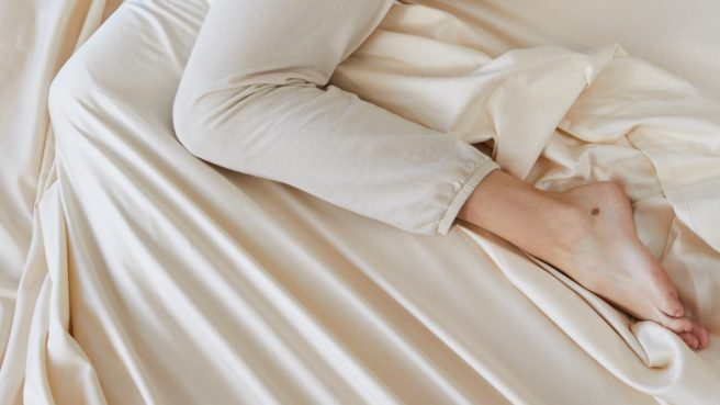 The Organic Luxury Plush Mattress requires sheets with deep pockets because of the 15-inch thickness (18-inches pillowtop).