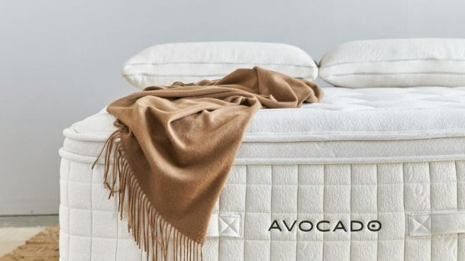 The Organic Luxury Plush Mattress works amazingly well with the Avocado low-profile bed frame.